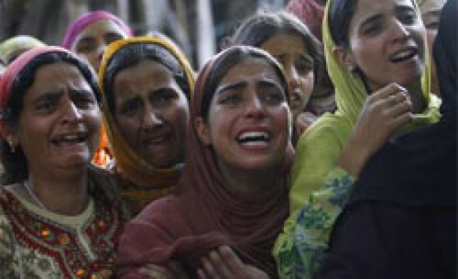 Indian troops kill Kashmiri protesters in fresh violence
