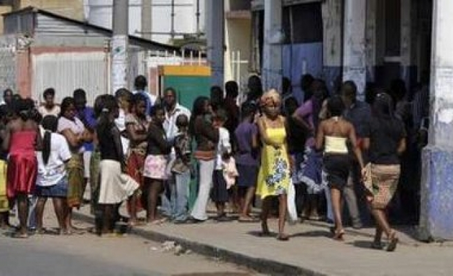 Clashes stoke tension before Mozambique election