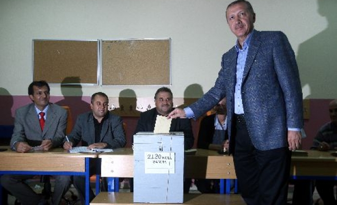 Referendum vote results from Turkish leaders' ballot boxes