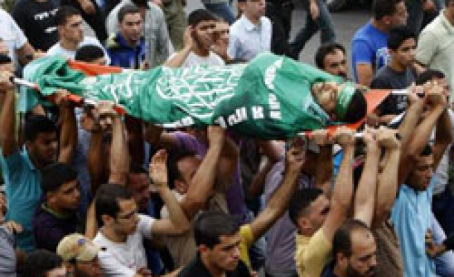 Israeli soldiers shoot dead Palestinian at home