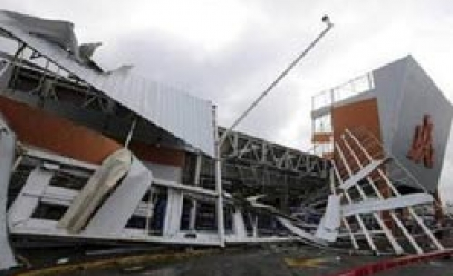 Karl killing two in Mexico, weakens to tropical storm