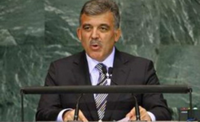 Gul says 'Muslim Turkey has dialogue with all states in region'
