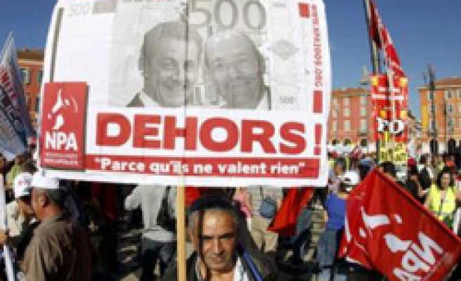 Mass strike hits France over Sarkozy pension plan