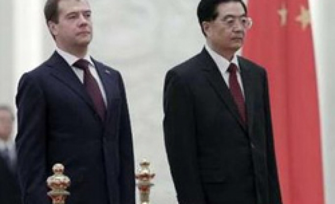 Russia, China agree on new pipeline to carry Siberian oil