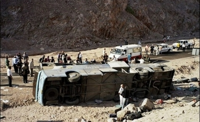 21 Egyptian riot policemen injured in bus accident