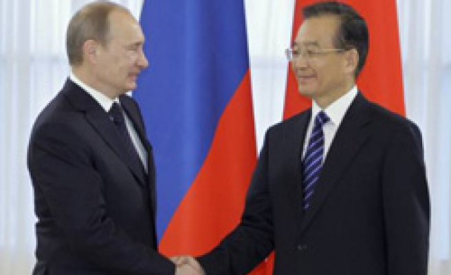 Russia and China boost ties