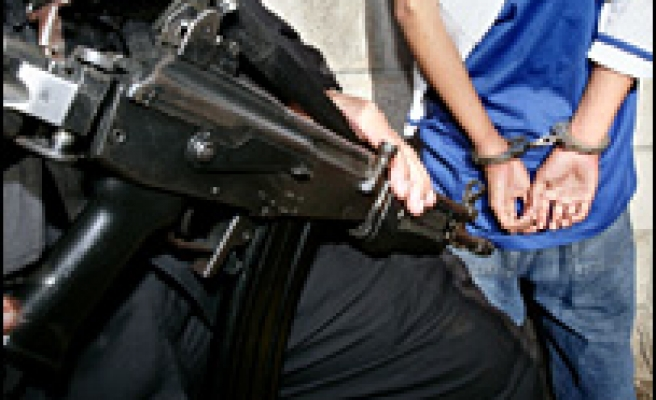 US cities sue gangs in bid to stop violence