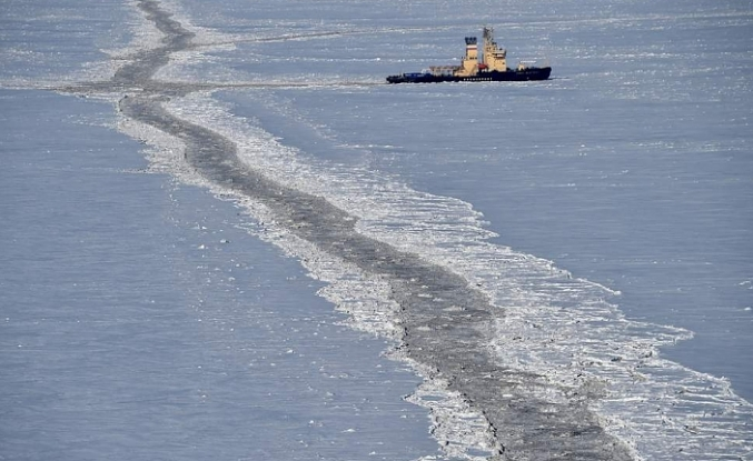 Russia says will build up Arctic military presence