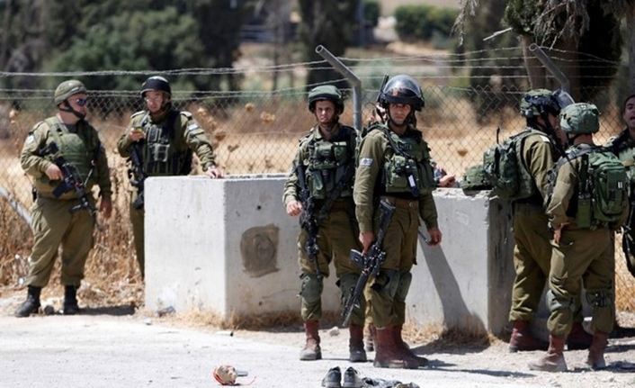 Family arrested in West Bank by Israeli soldiers