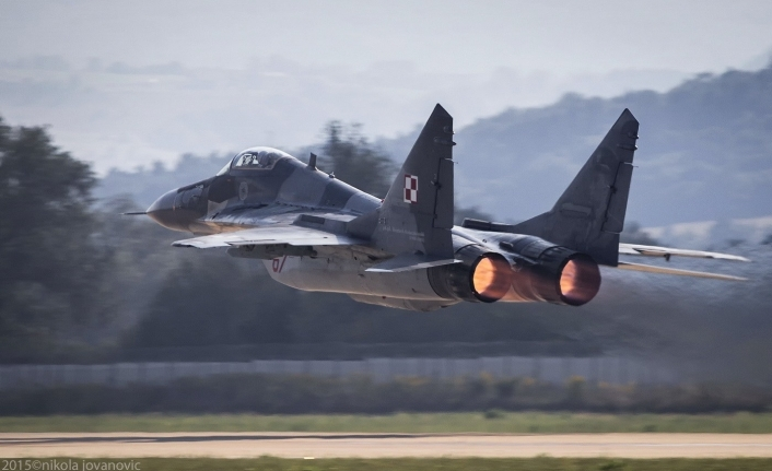 Russian military jet crash kills two pilots