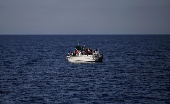 One dead after migrant boat sink in Turkey
