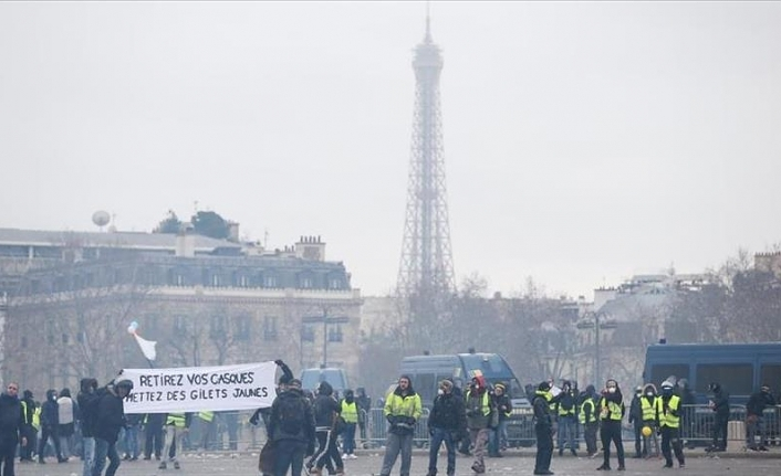 France: 102 Yellow Vests arrested as protests continue
