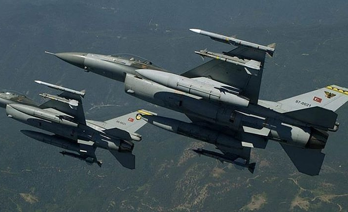 Turkish army hits PKK shelters, arms depots in N.Iraq
