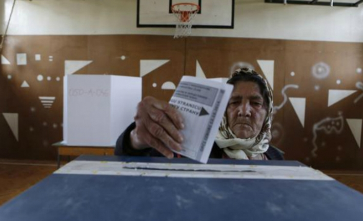 Bosnia votes in presidential, parliamentary elections