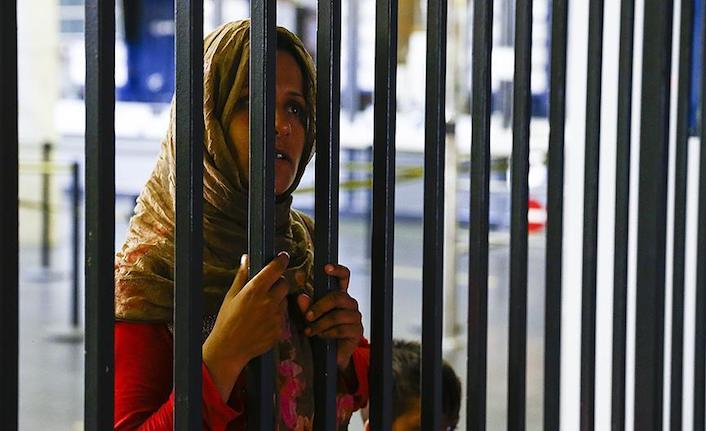 Amnesty Int'l urges Greece to protect female refugees