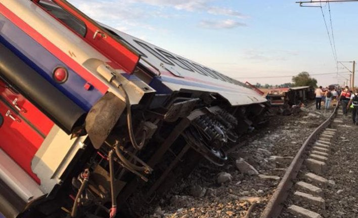 8 injured in train accident in central Turkey