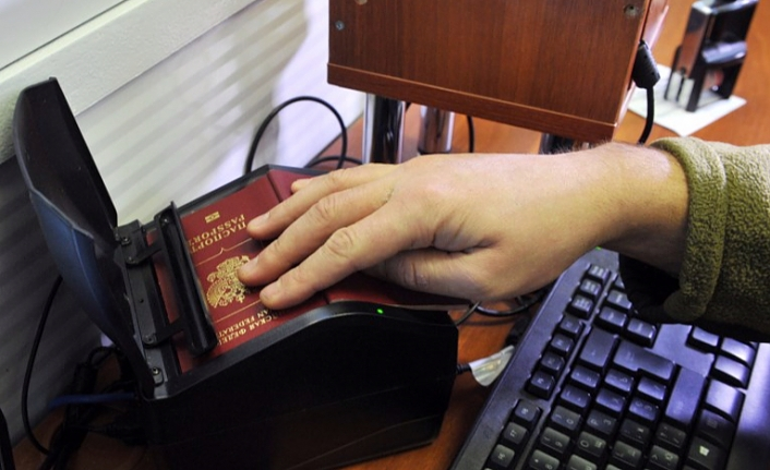 Ukraine restricts entry for Russian men age 16 to 60