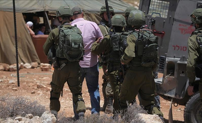 20 Palestinians arrested in West Bank raids