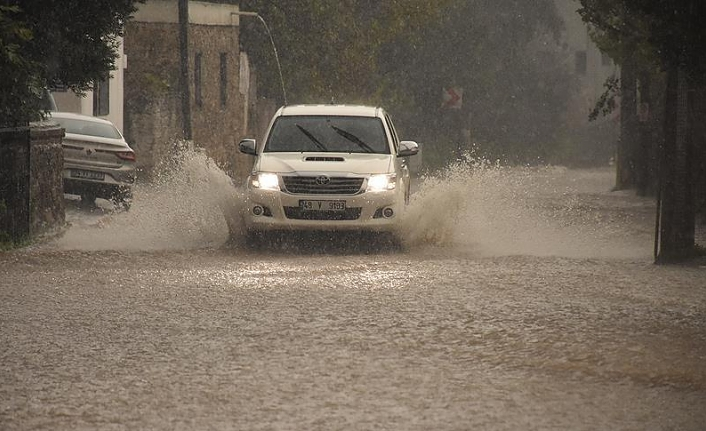 Antalya sets Turkey's daily rainfall record