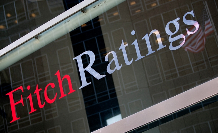 Fitch holds Turkey rating at BB; outlook negative