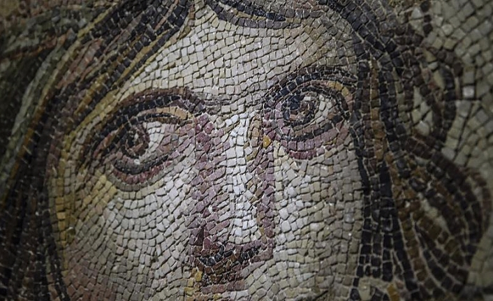 Gypsy girl mosaic pieces to be displayed in native home