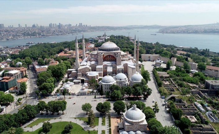Turkey attracts 12M tourists in first 11 months of 2020