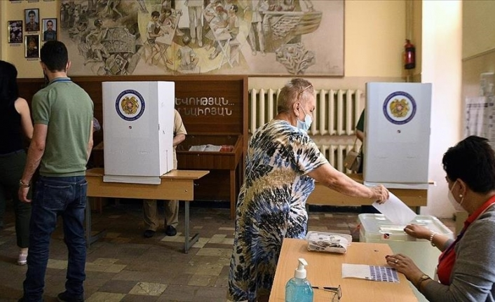 Armenia's opposition party to challenge snap election results