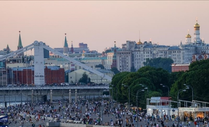 Russia frets as daily virus cases soar past 21,000