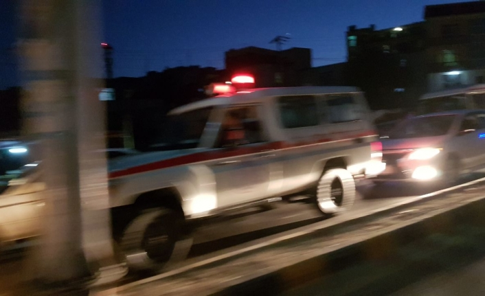 Explosions outside Kabul airport claim casualties