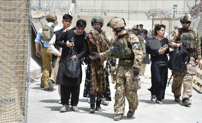 Germany sending military helicopters to Kabul for rescue missions