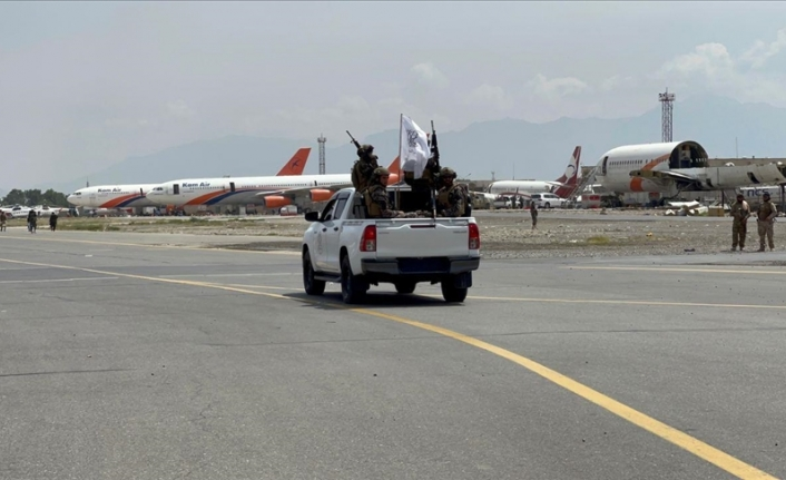 'Withdrawing US forces damage planes, leave garbage at Kabul airport'