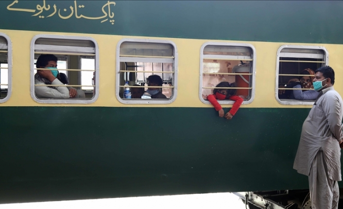 Pakistan imposes strict restrictions for non-vaccinated travel