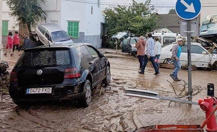 Storms-hit Spain faces flash floods, much of country still on alert