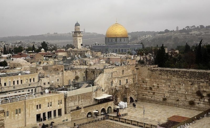 Fears of temporal, spatial division of Al-Aqsa loom after 'silent prayer' ruling