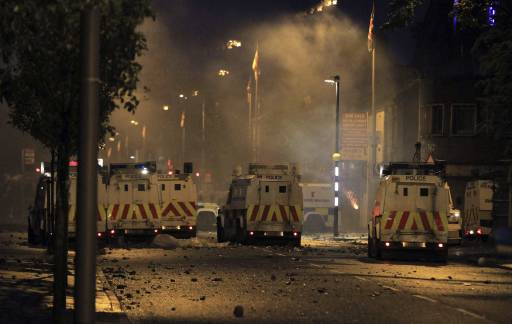 Violence flares for second night in N. Ireland