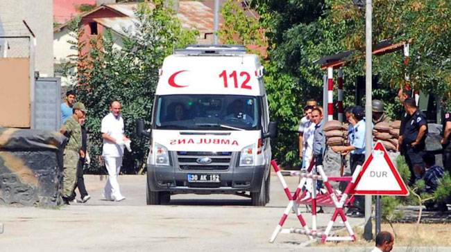 A lieutenant and a civilian killed in a clash with PKK