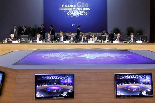 G20 seeks to calm markets by prioritizing growth over austerity