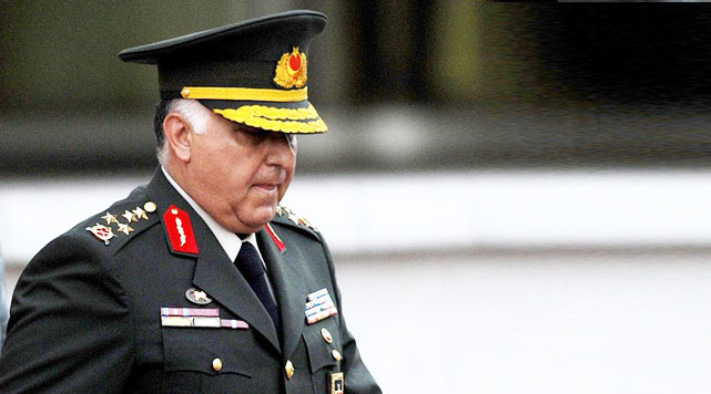 Turkish military chief inspects troops along Syrian border