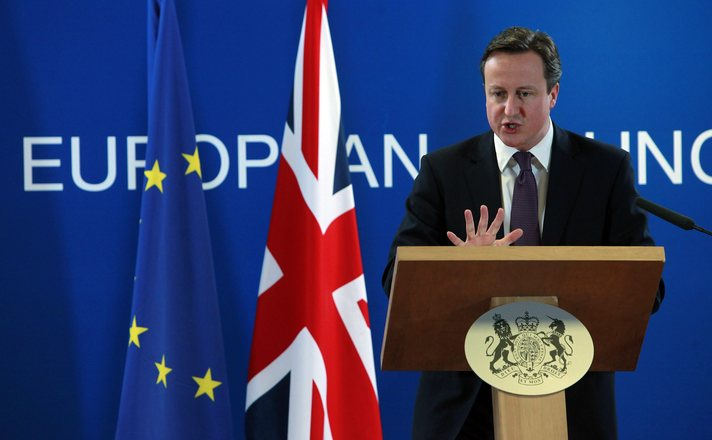 British PM Cameron visits Scotland to fight for UK