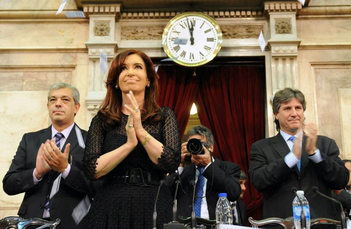 Argentina passes bill to put debt outside U.S. reach