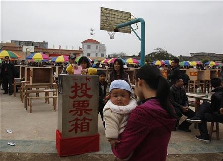 Chinese doctor on suspended death penalty for selling babies