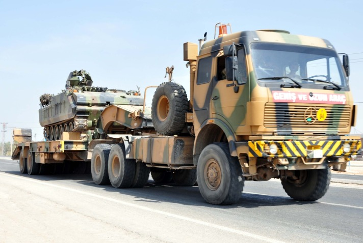 Military deployment continues on Turkish-Syrian border