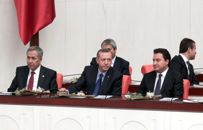 Turkish PM disagrees with president over jailed deputies