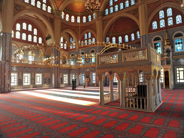 Turkish minister opens mosque in South African capital / PHOTO