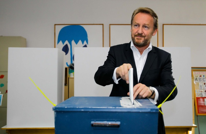 Bosnia holds local elections, focus on Srebrenica