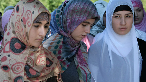 Headscarved girls banned in S.Russia schools