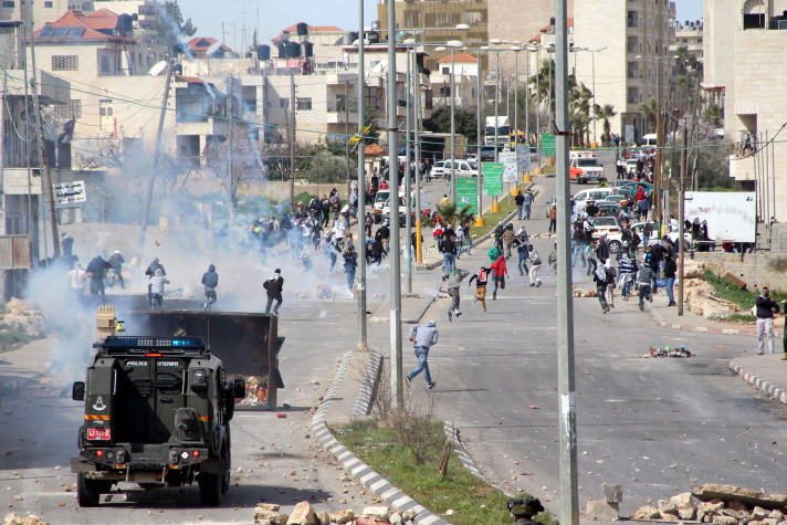 Israel blocks entry to Ramallah for non-residents