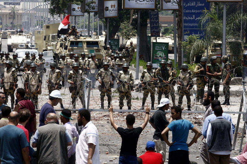 Politicized arrest orders aim to disperse sit-in, says Brotherhood