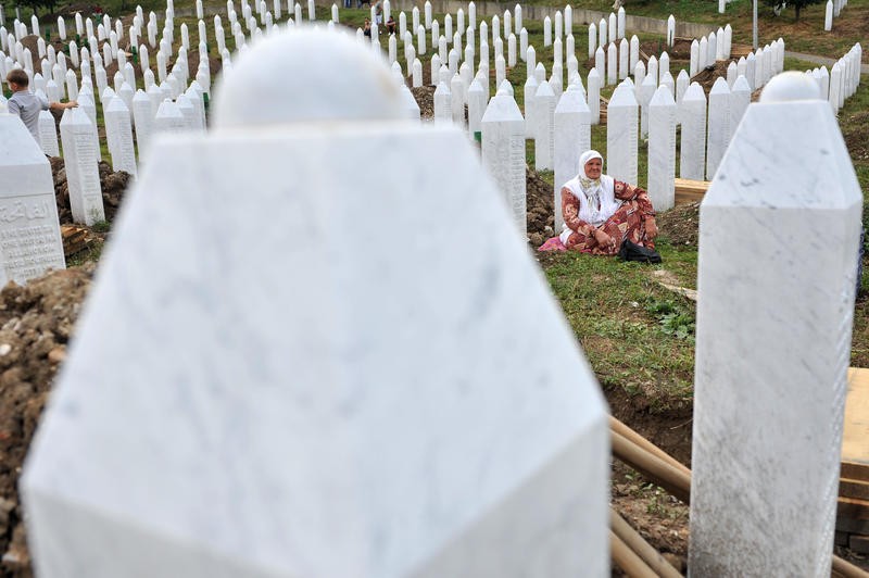 Bosnia reburies another 409 victims of Srebrenica