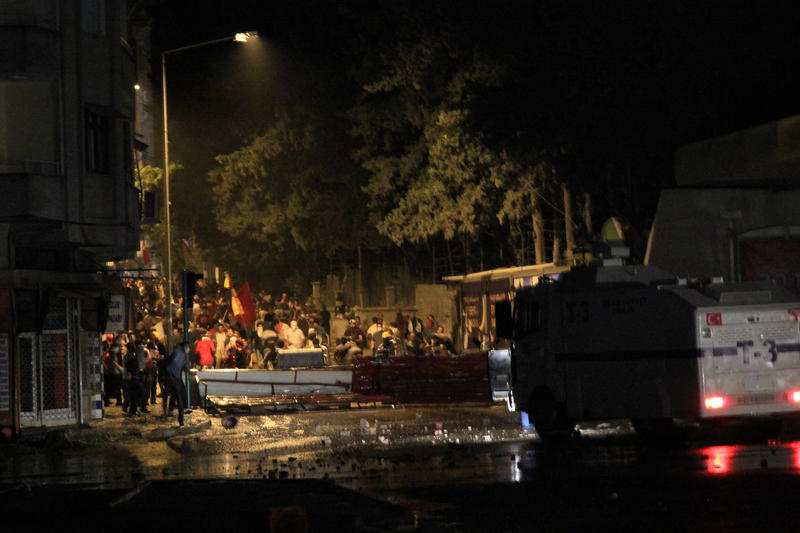 2 police, 1 soldier, protester injured in Gezi Park protests in Hatay